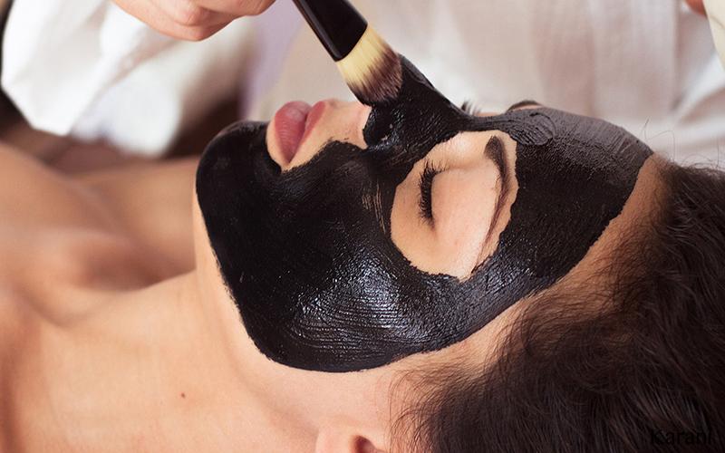 Jak funguje černá maska na póry ?